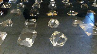 Caja con modelos cristalográficos de vidrio (Bonn, 1913)