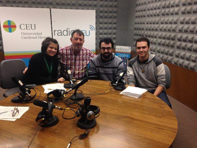 Equipo MundoVet con el alumnos Javier de Juan