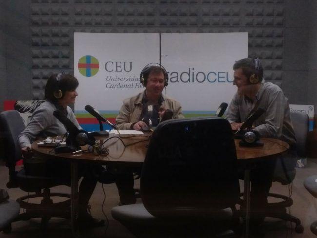 Parte del equipo MundoVET con Federico Guillén