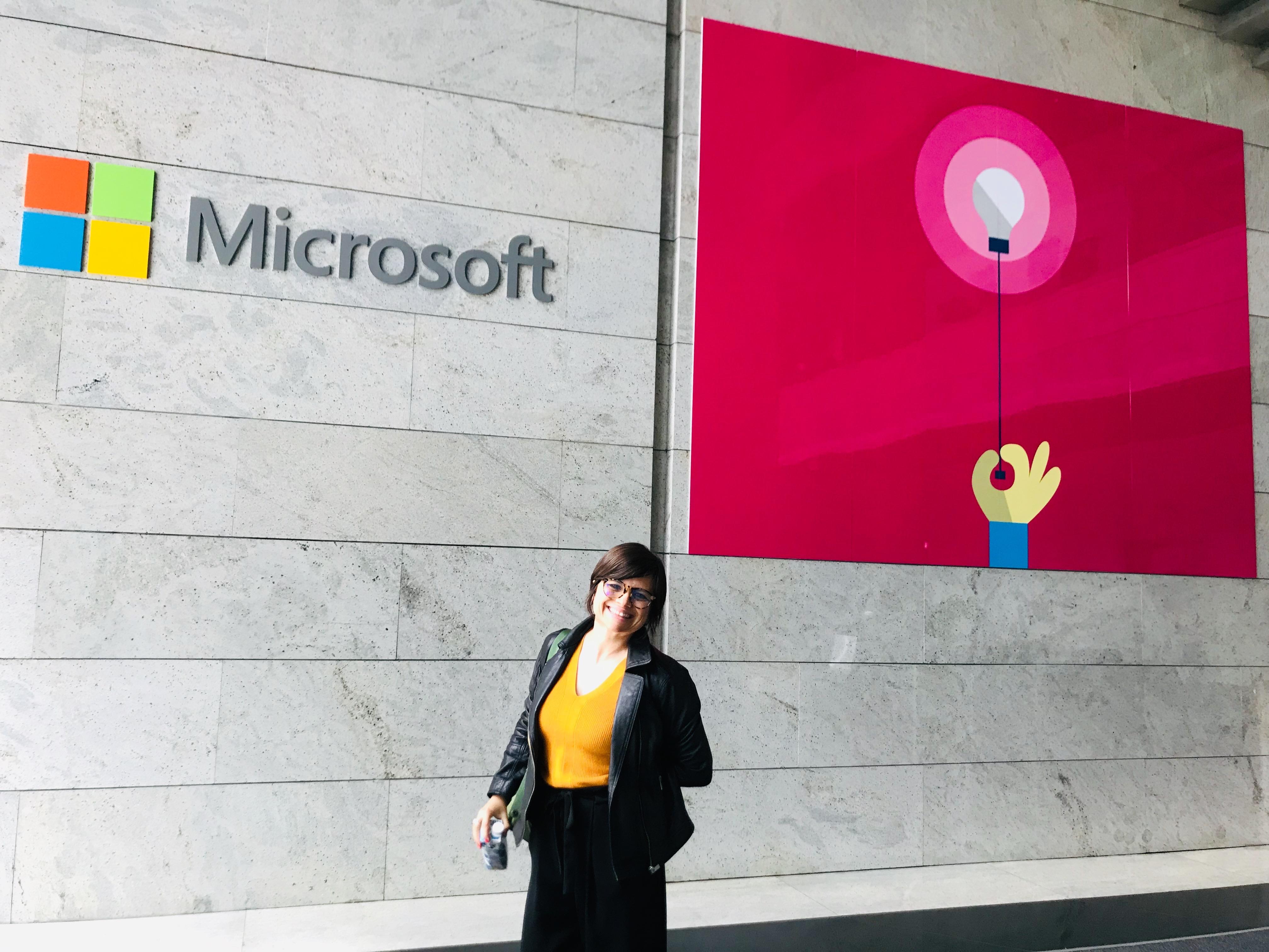 Empar García Roselló, profesora de Veterinaria en la Universidad CEU Cardenal Herrera, durante su visita en las instalaciones de Microsoft (#MicrosoftEDULab)