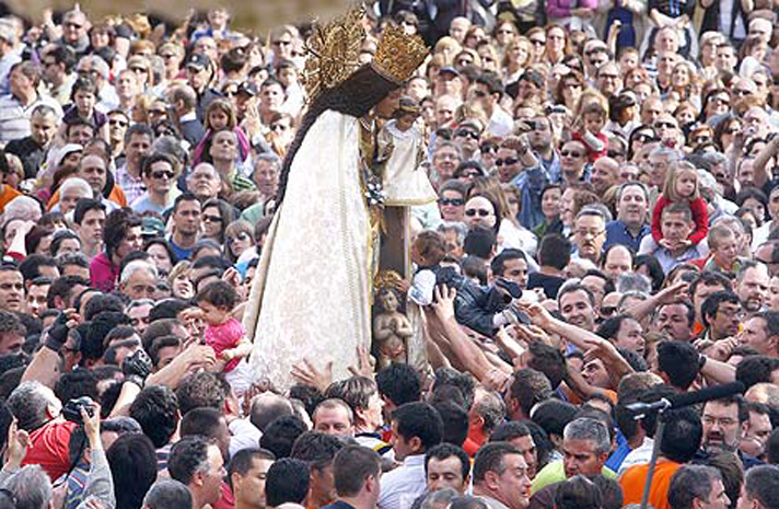 VALENCIA. TRASLADO DE LA VIRGEN DE LOS DESAMPARADOS. FOTO, BENITO PAJARES